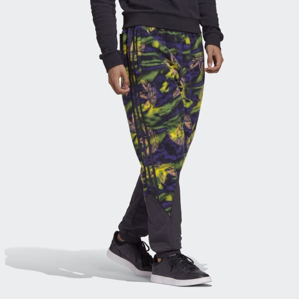 Big_Trefoil_Print_Polar_Fleece_Track_Pants_Multicolor_GE0800.jpg