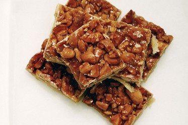 caramel-cashew-squares-01.jpg