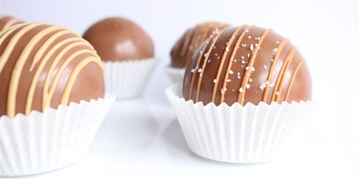 hot-chocolate-bombs.jpg