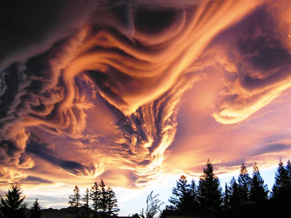 interesting-pictures-asperatus-clouds.jpg