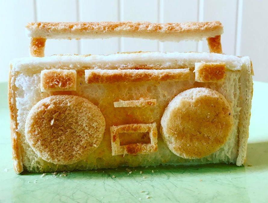 toast-sculpture.jpg